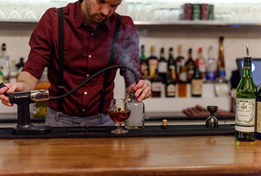 Bazar nomad cocktail bartender