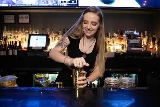 Proper west tge bartender stir