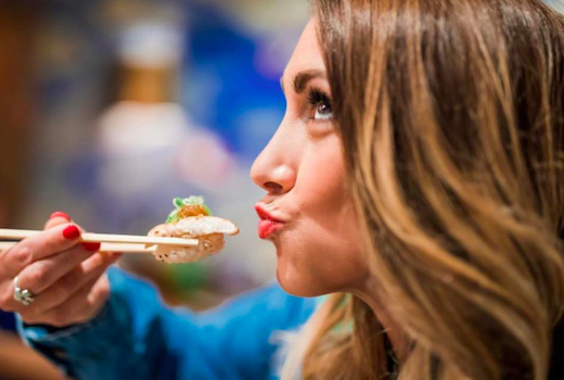 Sushi bou piece eats love