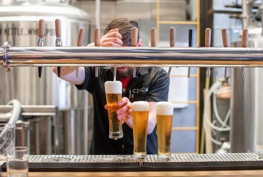 Circa brewing co beer pour