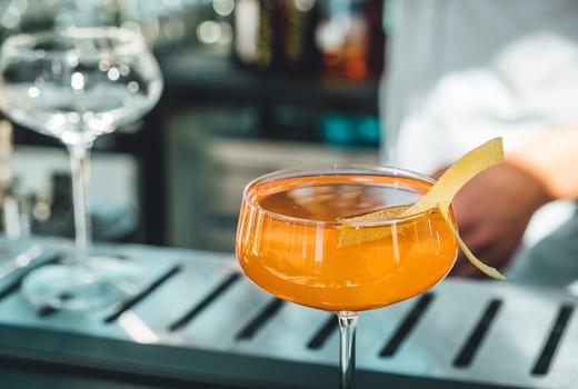 Saar cocktail pretty orange