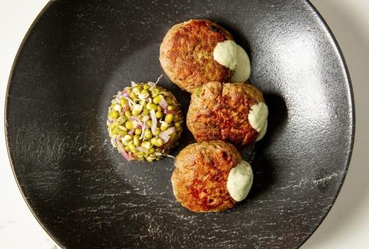 Saar meatballs sauce