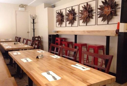 Wok wok dining tables