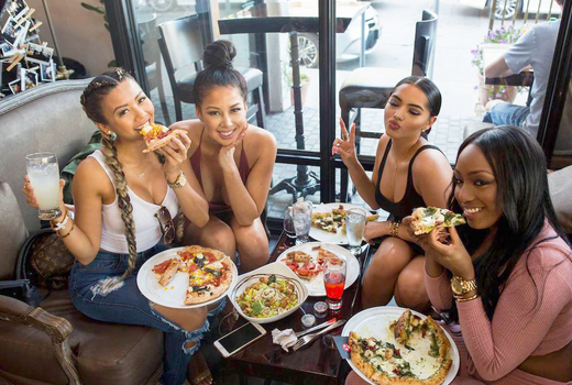 Medici fun friends drinking eating 1