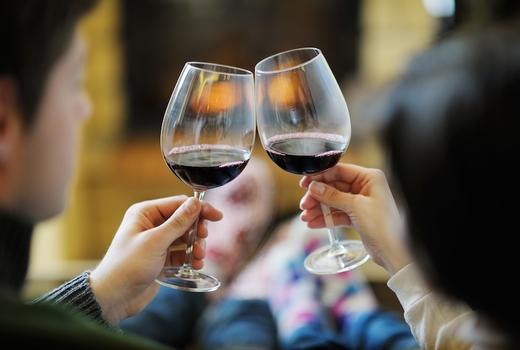 Diamond mills cheers wine red