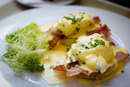 Galli brunch eggs benedict