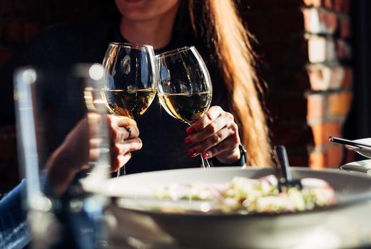 Savida cheers white wines
