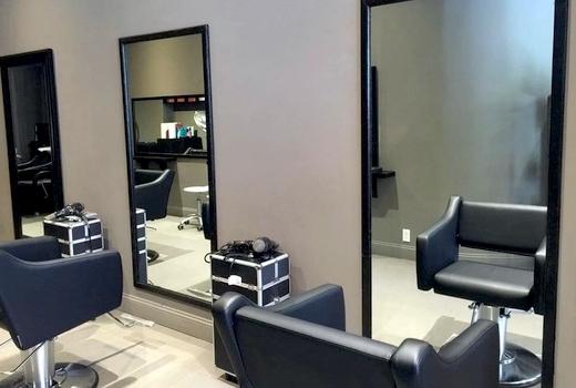 Zeno hair studio interior chairs mirror1