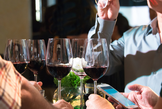 Ding hot pot inside drinks red wines