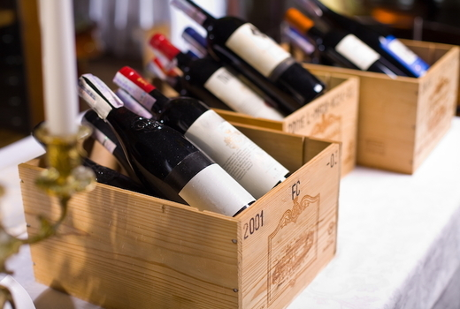 Fiaf burgundy wine bottles boxes yum