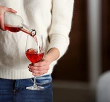 Essex restaurant pour wine