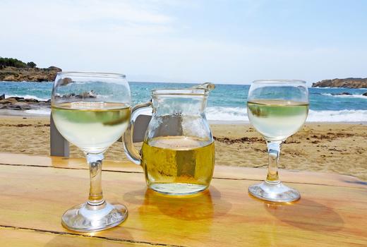 Mykonos taste beach sips