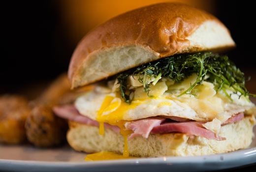 Mykonos beu egg burger