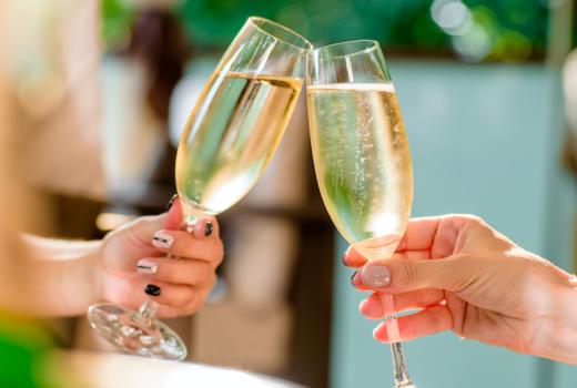 Segreta cheers bubbles