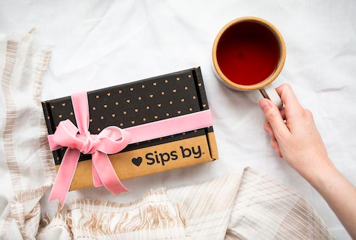 Sips by box mug