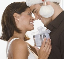 Man-woman-kissing