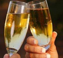 Open-bar-glasses-champagne