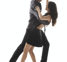 Salsa-dancing-couple-3