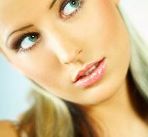 Airbrush-make-up-lady-3