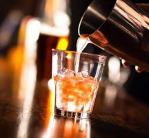 Open-bar-drink-pour