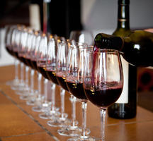 Wine_tasting_nyc-pinot_noir
