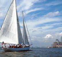 Manhattan_by_sail-nyc