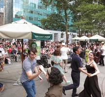 Swing_dance_with_jazz_band_-_073113