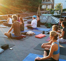Outdoor_yoga_nyc-meatpacking