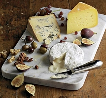 051101081-01-cheese-fruit-olives-plate_xlg