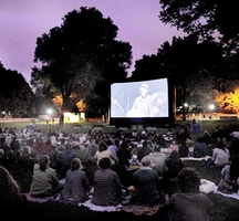 Free_movies_central_park-films_on_the_green