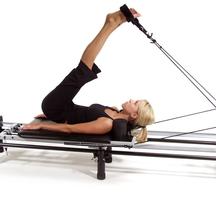 Pilates-reformer-lady