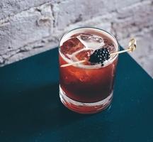 Village_pourhouse-cocktail