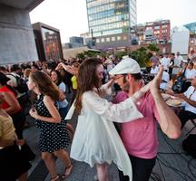 Highline-dancing