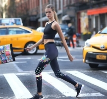 Bandier-blends-art-and-fitness-their-latest-activewear-collection_206909