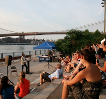Brooklyn_bridge_reading