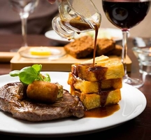 Steak_dinner_wine