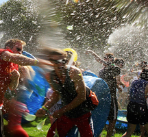 Water_balloon_fight