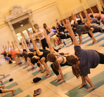 Grand_central_free_yoga