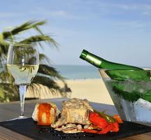 Spanish-wine-beach
