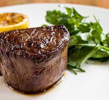 Gente steak dinner