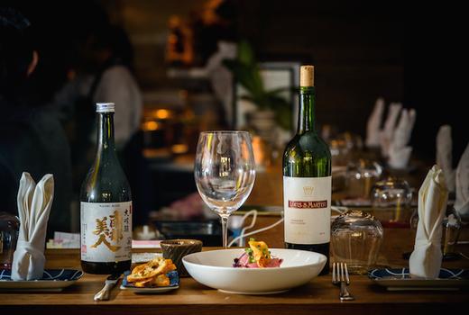 Rabbithouse ambiance wine food