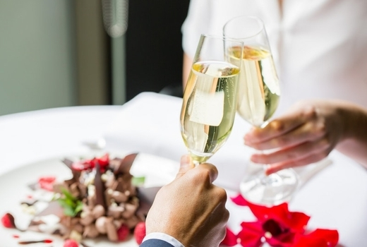 $49 3 Course Valentine's Dinner For 2 & Bottle Of Prosecco ($140 Value)