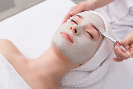 La peau mask treatment