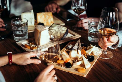 Wineo wine cheese love