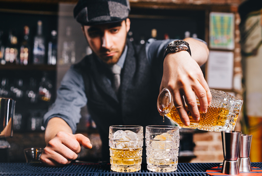 Brookly whiskey por bartender