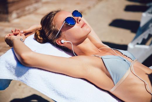 Petals laser woman sunbathing hairless