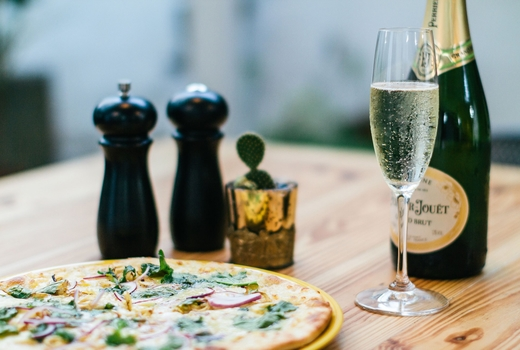 Make pizza drink bubbly champagne andpizza love nyc
