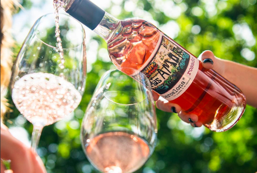 Summer rose bubbly fest rose wine pour