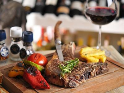 Aisnworth east village wine steak wow winner