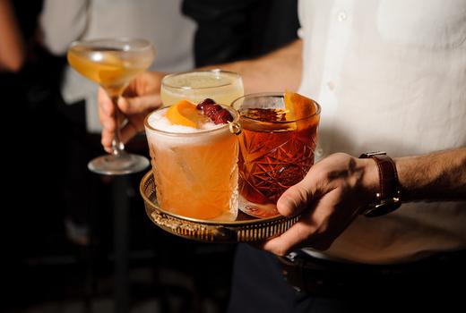 Hudson station cocktails tray server